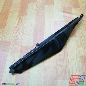 Ốp bụng trái Satria F150 Fi đen bóng